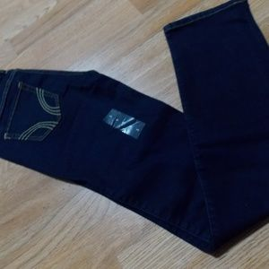 NWT Hollister skinny jeans.